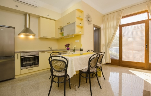 Apartment for 4 persons (two bedrooms)